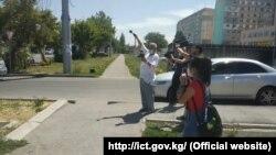 В Бишкеке измерили уровень излучения оборудования сотовой связи. 17 июля 2020 года.
