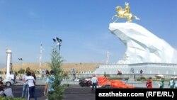 Berdimuhamedowyň monumentini açmaga taýýarlyk