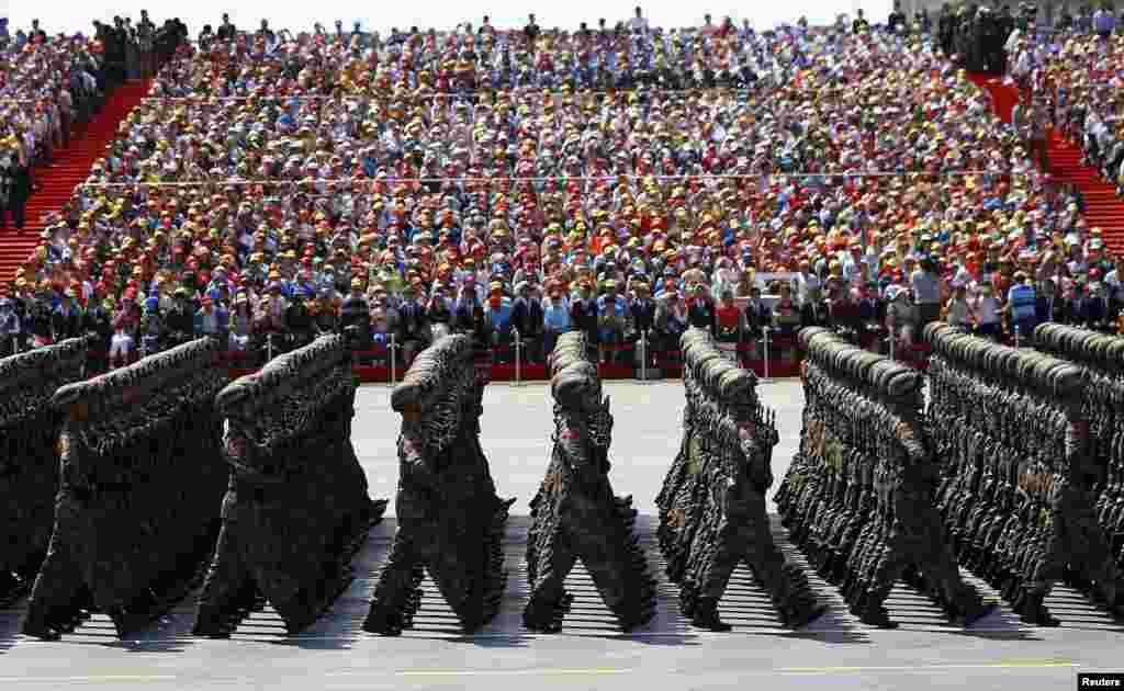 У параді в Пекіні цього року задіяли майже 12 тисяч військових і 500 одиниць техніки