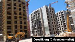 Toshkentda so'xlik quruvchilar joylashtirilgan Olmazor City qurilish maydonchalaridan biri, 16 iyun, 2020