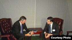 Грчкиот и македонскиот министер за надворешни работи, Ставрос Ламбринидис и Никола Попоски на средба во ОН во Њујорк.