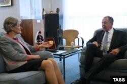 Directoarea generală a UNESCO, Irina Bokova la întîlnirea cu Sergei Lavrov, șeful diplomației ruse