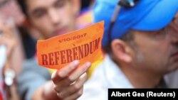 Барселона, 20 сентября 2017. Горожане готовятся к референдуму о независимости.