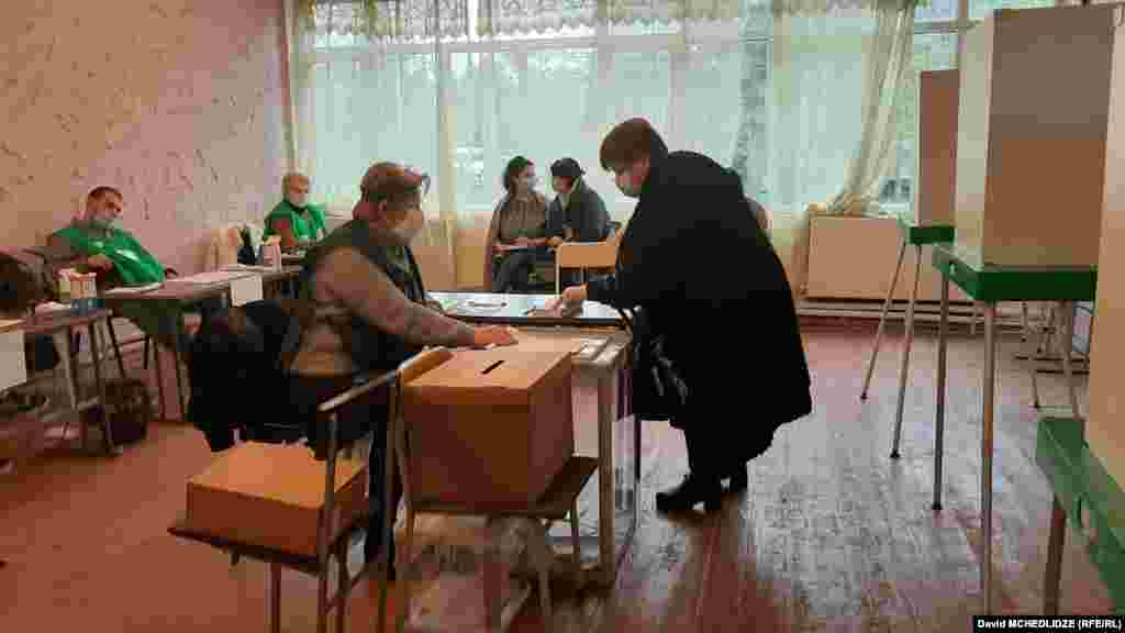 არჩევნების მეორე ტური რუსთავში.