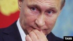 Russian President Vladimir Putin: Nezashchishchyonny or bezzashchitny?