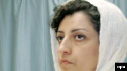 نرگس محمدی عضو کانون مدافعان حقوق بشر در ایران و رییس هیات اجرایی شورای ملی صلح.
