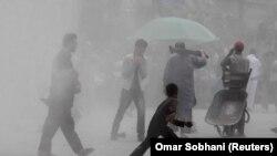 آب و هوایی خاک آلود در شهر کابل