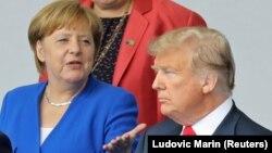 Германия канцлері Ангела Меркель мен АҚШ президенті Дональд Трамп. Брюссель, 11 шілде 2018 жыл.