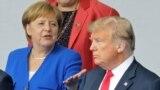 Cancelara Germaniei Angela Merkel și președintele SUA Donald Trump în timpul Summitului NATO de la Bruxelles, Belgia, iulie 2018.