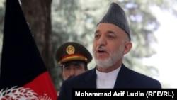 کابل: افغان ولسمشر حامد کرزی د خبري غونډې پر مهال. د ۲۰۱۱ز کال د مې یودېرشمه.