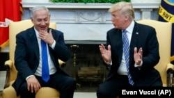 آقای نتانیاهو از سفر به آمریکا و دیدار با دونالد ترامپ، رئیس جمهوری آمریکا، به کشورش بازگشته است
