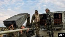 Сепаратистерге қарсы операция жүргізіп жатқан Украина әскері. Луганск облысы, 18 тамыз 2014 жыл.