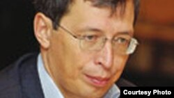 Ораз Жандосов, экономист