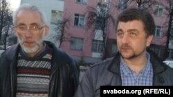 Зьміцер Салаўёў (справа) і прадстаўнік яго інтарэсаў на працэсе праваабаронца Барыс Бухель зьдзіўленыя прысудам.