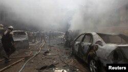 Pamje pas një sulmi të mëparshëm ajror në Idlib të Sirisë