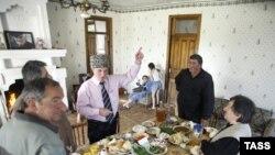 В Абхазии более строго придерживаются древних ритуалов, хотя в последнее время наблюдается некоторое их упрощение