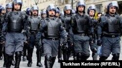 Полицейские Полка быстрого реагирования. Архивно-иллюстративное фото