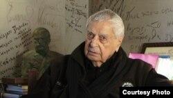 Юрий Любимов в своем кабинете в Театре на Таганке