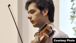 Бојан Илкоски, виолинист.