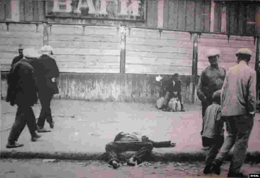 Holodomor: Famine In Ukraine, 1932-33 #18