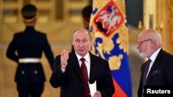 Президент Путин и глава СПЧ Михаил Федотов