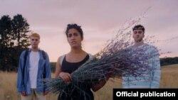 صحنهای از فیلم «بدون احساسات منفی» ساخته فراز شریعت