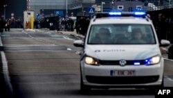 В воскресенье бельгийские полицейские задержали еще одного мужчину с мачете