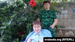 Алена з мамай Людмілай Іванаўнай