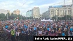 Aproape zece mii de oameni au participat la mitingul care îndeamnă la vot pe 26 mai la alegerile europene și la referendum