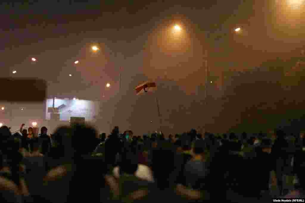 В Лиде, Барановичах, Жодино, Могилеве люди также вышли на протесты. В Могилеве ОМОН вытеснил демонстрантов с площади