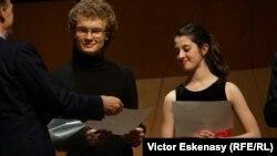 Laureații Premiului Prinz von Hessen: Dmytro Udovychenko (Ucraina) și María Dueñas Fernández (Spania)