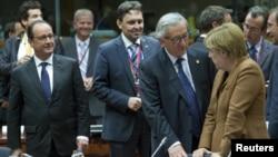 Predsednik Francuske Fransoa Oland, predsednik Evropske komisije Žan Klod Junker i nemački kancelar Angela Merkel na vanrednom samitu EU o izbegličko-migrantskoj krizi, Brisel, septembar 2015.
