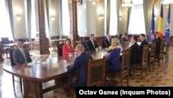 Deschiderea negocierile privind formarea noului guvern, București, 11 octombrie 2019