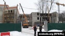 Будоўля, наконт якой актывісты спрачаюцца зчыноўнікамі задміністрацыі Фрунзенскага раёну іМенгарвыканкаму
