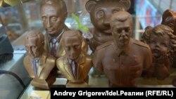 Шоколадный Сталин и другие гримасы рынка: чем бизнес потчует россиян на 9 мая