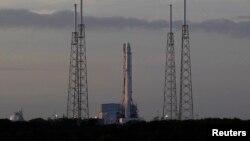 Raketa e kompanisë SpaceX e gatshme për lansim