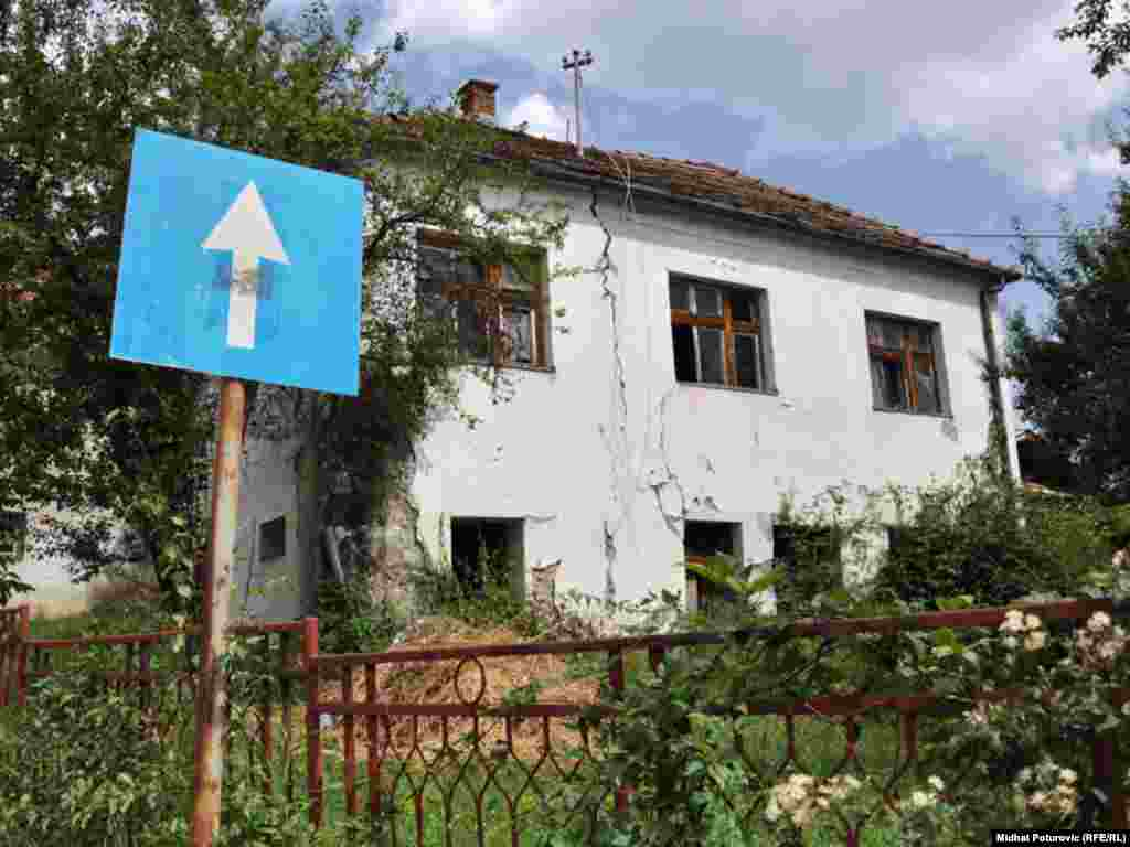 Rudo, ruševne kuće na svakom koraku - FOTOGRAFIJE: Midhat Poturović