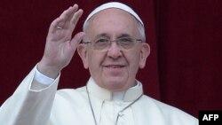 Папа Франциск, считающий Иоанна Павла II и Иоанна XXIII своими учителями