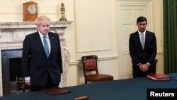 د بریتانیا صدراعظم بوریس جانسن او د ده د مالیې وزیر ریشي سانک