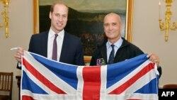 Հենրի Ուորսլեյը (աջից) և Մեծ Բրիտանիայի արքայազն Ուիլյամը, Լոնդոն, 19-ը հոկտեմբերի, 2015թ․