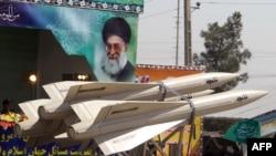 پیش از این بارها خبرگزاریها از دستگیری افرادی مظنون به ارسال تجهیزات نظامی به ایران خبر داده بودند.