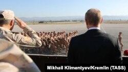 Putin Hmeimim hərbi hava bazasında, 11 dekabr 2017-ci il