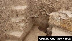 نمایی از یک دروازه هخامنشی، پس از کاوش باستانشناسان