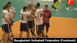 Кыргызстандын волейбол боюнча улуттук курама командасынын оюнчулары. 24-апрель, 2018-ж. Дакка, Бангладеш.