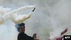 Confruntări cu poliția la Idomeni