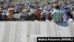 Sahrana 520 žrtava srebreničkog genocida
