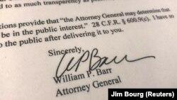 Semnătura ministrului justiției, William Barr pe o copie a scrisorii trimise Congresului