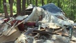 «Національні дружини» знищили намети в таборі ромів у парку «Голосіївський» – результати (відео)