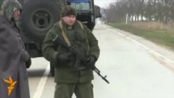 Armed Men Continue Blocking Crimea's Belbek Airfield
