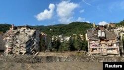 Тасқын бүлдірген тұрғын үйлер. Бозқұрт қаласы, Кастамону өлкесі, Түркия. 14 тамыз 2021 жыл. Фото: Reuters